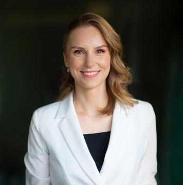 Dr. Olga Stangej